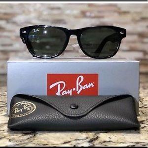 RayBan New Wayfarer RB 2132 Sunglasses Black G-15